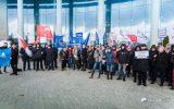 """Rzeszow-news: Strajk Obywatelski w obronie sądów. """"Od sądów wara, bo was spotka kara"""" [FOTO]"""